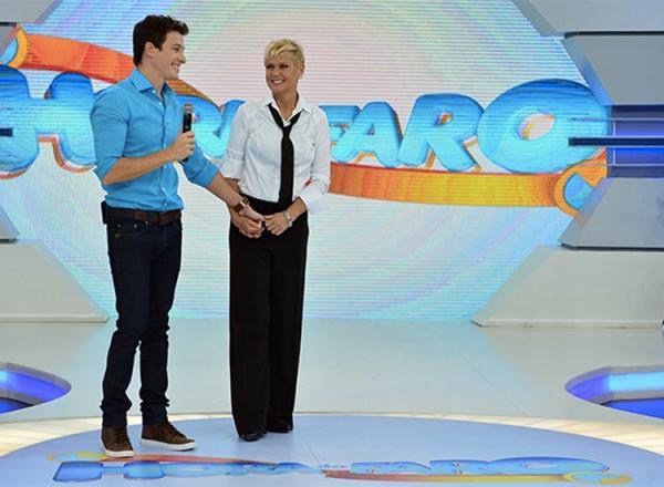 Lista de salários da Record: Rodrigo Faro ganha R$ 700 mil fixos e Xuxa 'só' R$ 300 mil