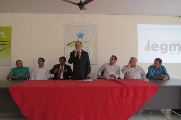 TCE-PI realiza treinamento sobre o IEGM para gestores de Água Branca e Região