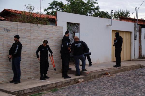 Greco prende quadrilha na Operação Refranata, no combate de crimes de estouro de caixas eletrônicos e roubos a bancos