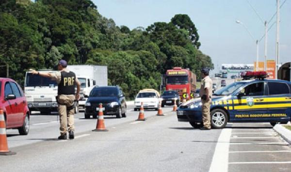 PRF realiza Operação Duas Rodas para combater acidentes envolvendo motos no Piauí