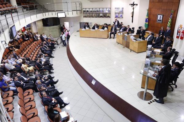 TRE-PI decide se mantém cassação do prefeito de São Miguel da Baixa Grande
