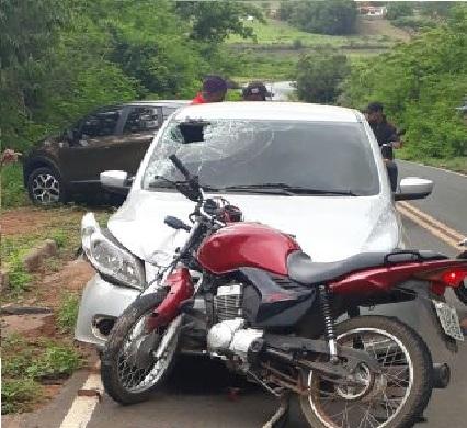 Suplente de vereador sofre acidente e fica ferido  na PI-236,  zona Rural de Água Branca