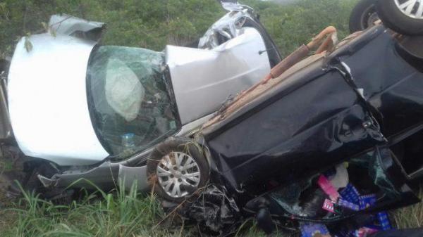 Quatro pessoas morrem em colisão entre veículos no Sul do PI