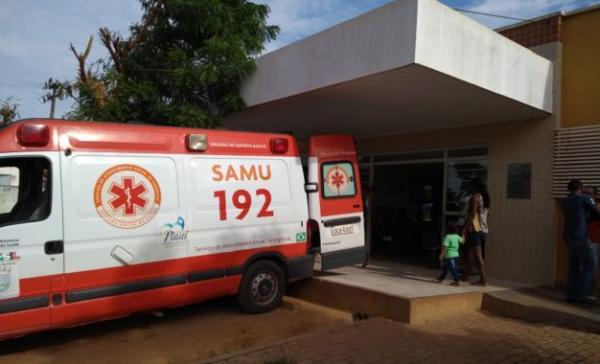 Filho de cantor morre após micro-ônibus da banda capotar na BR-135