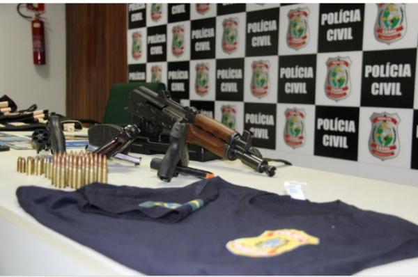 Grupo que usava fardas da PF, mandados falsos e fuzil para assaltos milionários é preso
