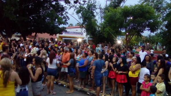 Zé Pereira de Angical do Piauí reúne dezenas de pessoas