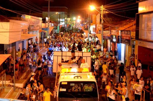 Bloco dos Paredões e tradicional mela-mela abrem o Carnaval 2018 de Água Branca