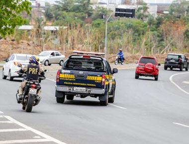 Trabalhador: PRF flagra 477 veículos com excesso de velocidade