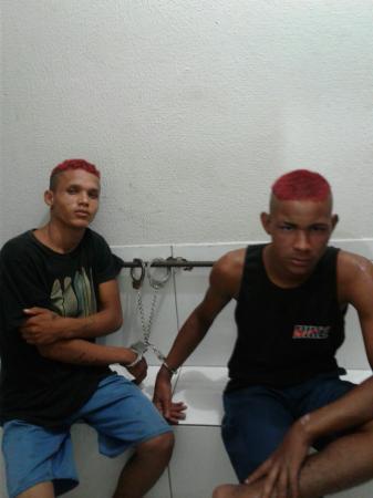 Polícia prende suspeitos de roubar vendedor de picolé em Água Branca, PI