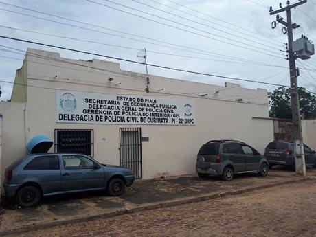 Quatro pessoas são presas suspeitas de invadirem delegacia de Curimatá, PI