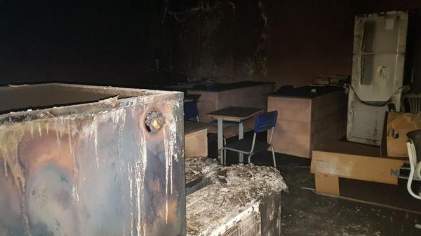 Bandidos incendeiam sala de informática em Lagoa do Piauí