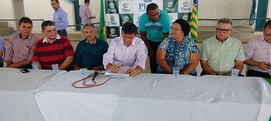 Wellington Dias inaugurou obras em Regeneração nesta sexta-feira(05)