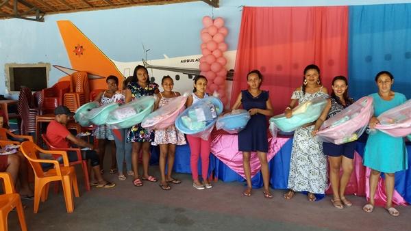 Cras entrega kits de enxoval para gestantes em Agricolândia
